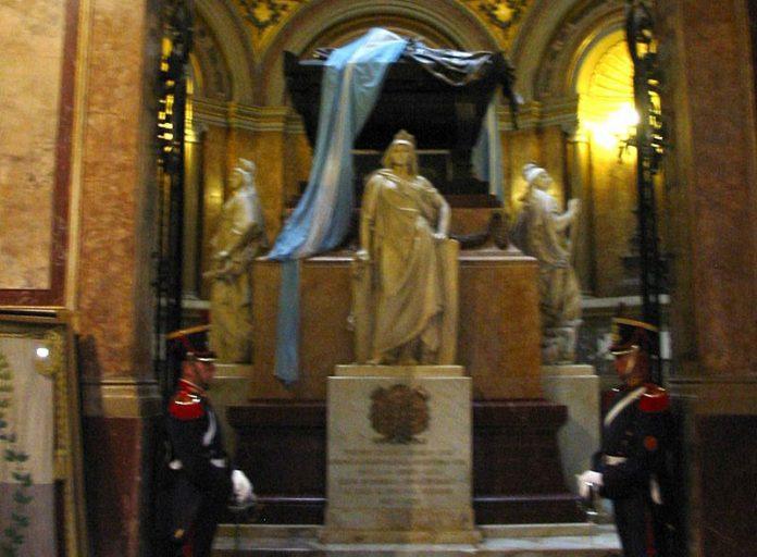 Mausolée-de-la-cathédrale-de-Buenos-Aires