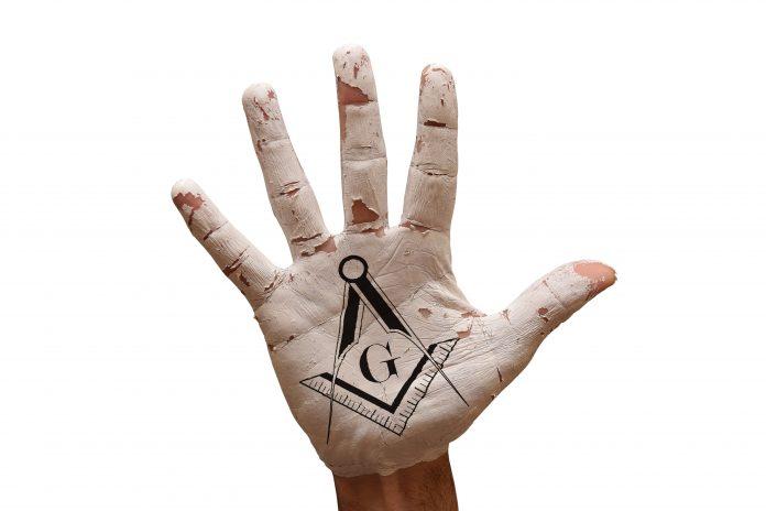 main taouée symboles maçonniques
