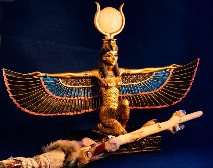 Dieu Egyptien Isis