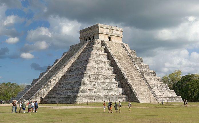Pyramide de Kukulcán à Chichén Itzá